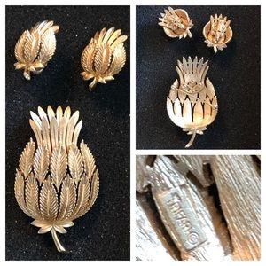 Vtg CROWN TRIFARI THISTLE Brooch & Earrings Set